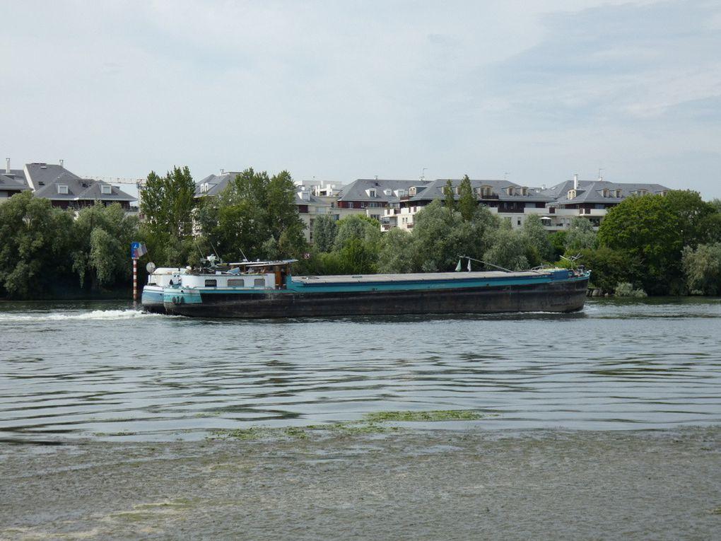 VESTA , Sur la Seine au passage de Poissy le 18juin 2019