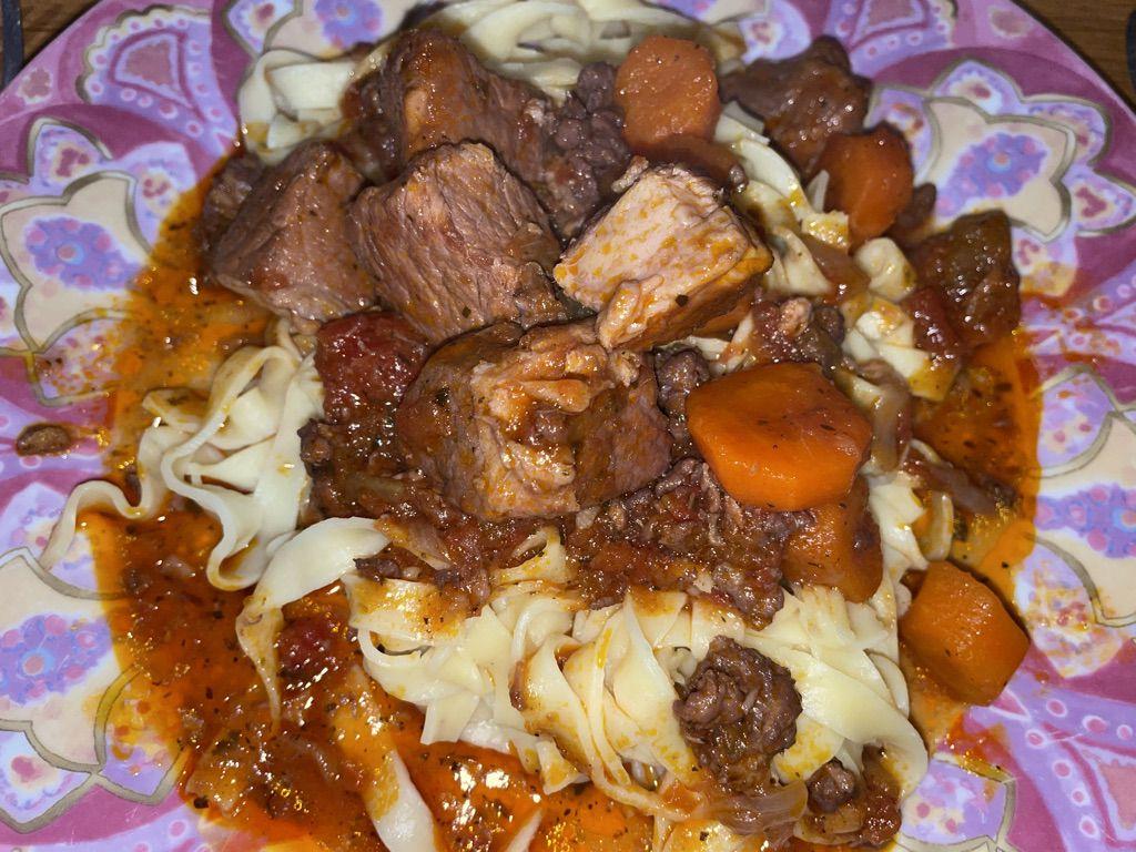 Mijoté de porc et tagliatelles avec Cookeasy