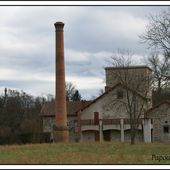 Ancienne distillerie de betteraves au Breuil sur Couze - L'Auvergne Vue par Papou Poustache
