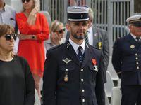 Le colonel Mangou décoré de la légion d'honneur. Boudjema Derbal  et Pierre Jeantreau médaillés militaires par le colonel Vouilloux