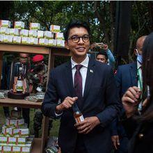 "Madagascar :  ""le traitement"" du Coronavirus par le Covid-Organics (Andry Rajoelina)"