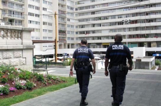 COLOMBES : LE TOUT RÉPRESSIF DE NICOLE GOUETA = VIDEOVERBALISATION, DELATION, ARMEMENT DE LA POLICE ...