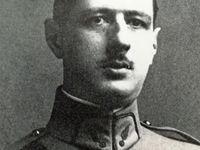 Le capitaine De Gaulle - Churchill entre De Gaulle et le Général Sikorsky commandant des forces polonaises - De Gaulle à la BBC.
