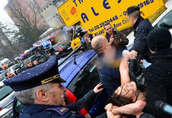 Elezioni 2013, attiviste Femen contestano Berlusconi (Foto gallery)