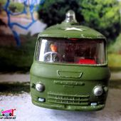 COMMER FOURGON VITRE US MILITARY POLICE TRUCK WITH FLASHING LIGHT CORGI - car-collector.net
