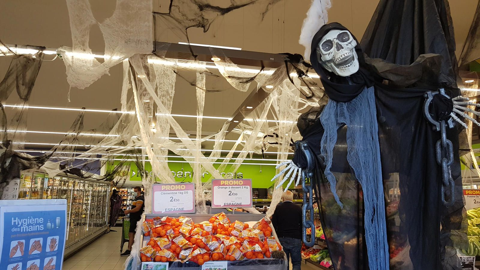 Salies du Salat - Halloween à Carrefour Contact