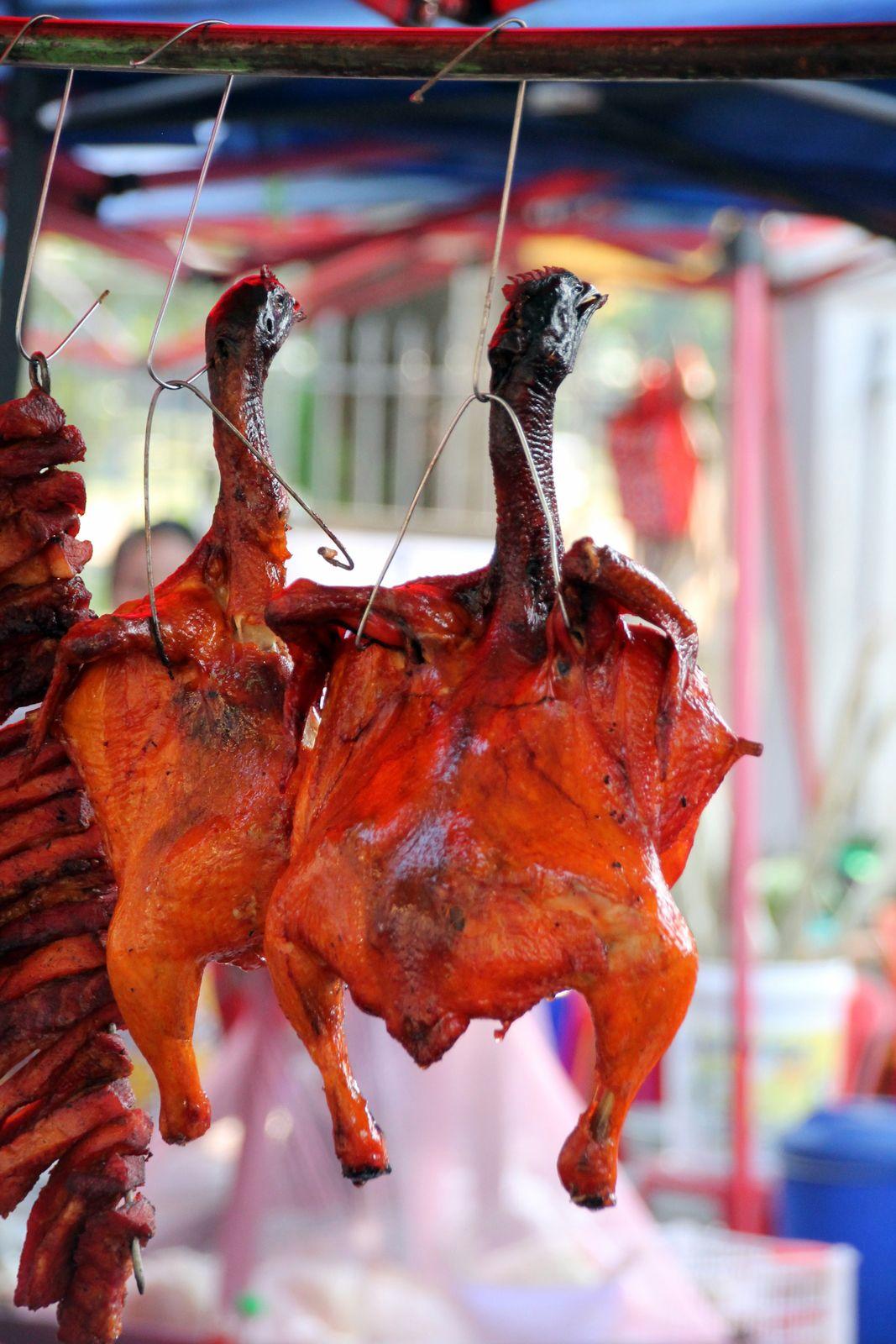 Nouilles chinoises sautées au chou pak choi et champignons noirs - balade en Birmanie