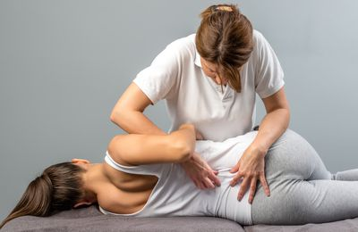 Know How a Chiropractor can Save you from Surgeries