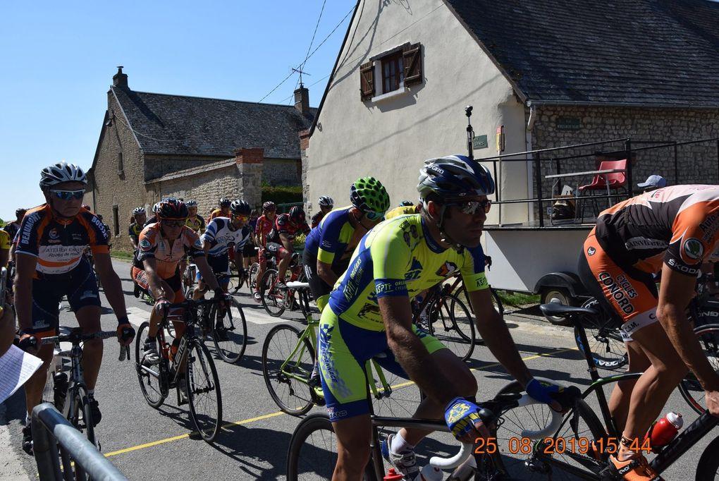 Album photos des 3 et 4 et les premiers résultats des courses UFOLEP de Loigny La Bataille (28)