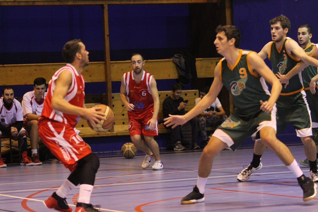 Le match s'est décidé à l'ultime seconde - Photos : © Sports Vénissians