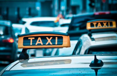 Benefits of hiring taxi near Airport