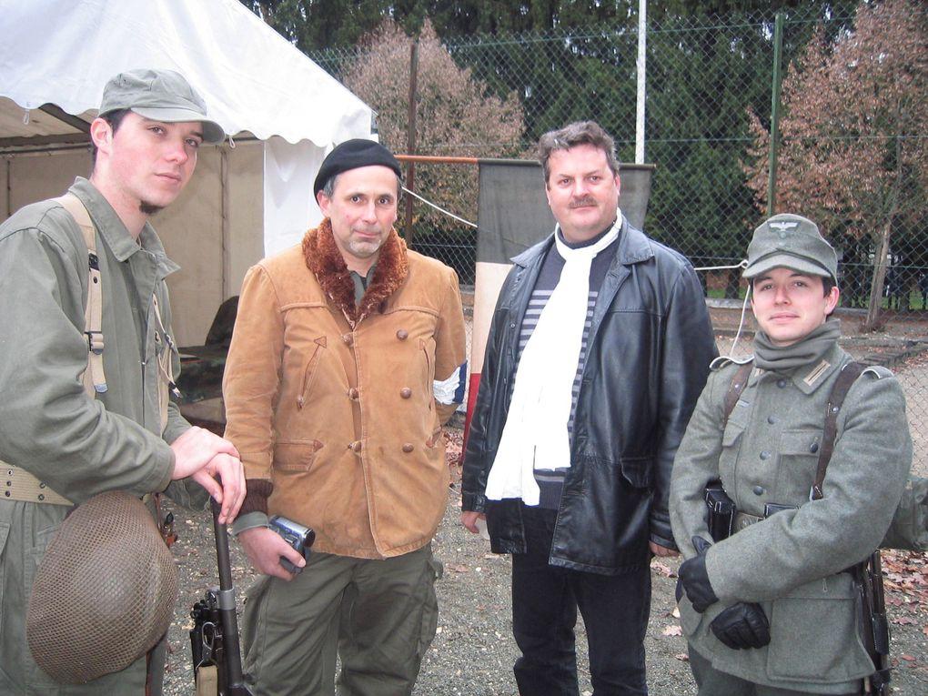 Voici différentes photos de la buvette, campememnt allié et allemand et le chapiteau avec l'expo quelqu'unes avec commentaires en dessous a regarder