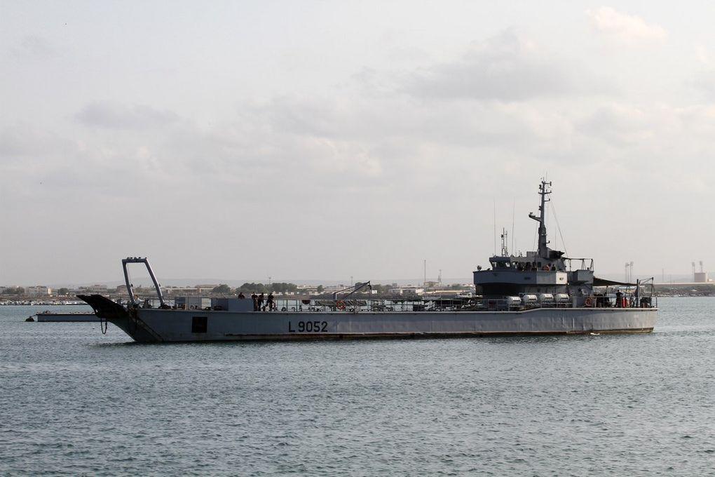 DAGUE  , L 9052 , engin de débarquement d'infanterie et de chars ( EDIC ) le 11 décecembre 2010
