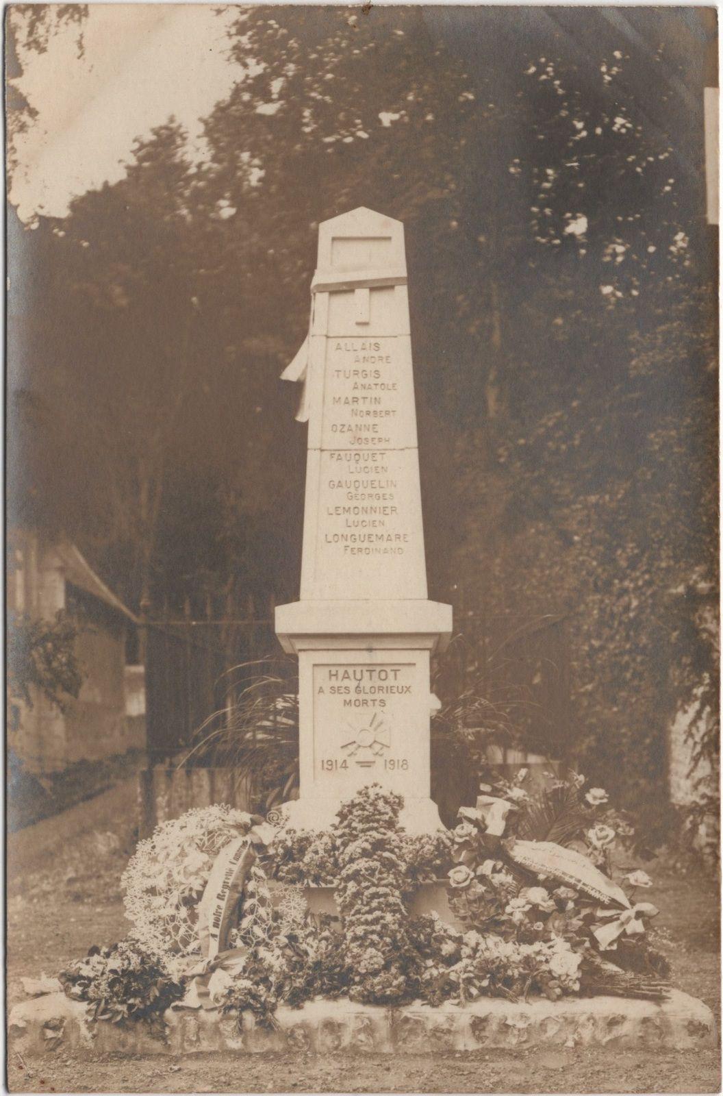 L'inauguration du Monument aux Morts d'Hautot-sur-Seine