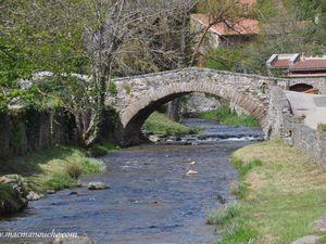 Pont enjambant la Voireuze. (clic sur les photos pour les agrandir)
