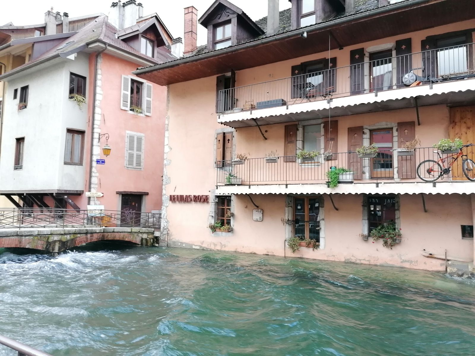 Que d'eau, que d'eau à Annecy...