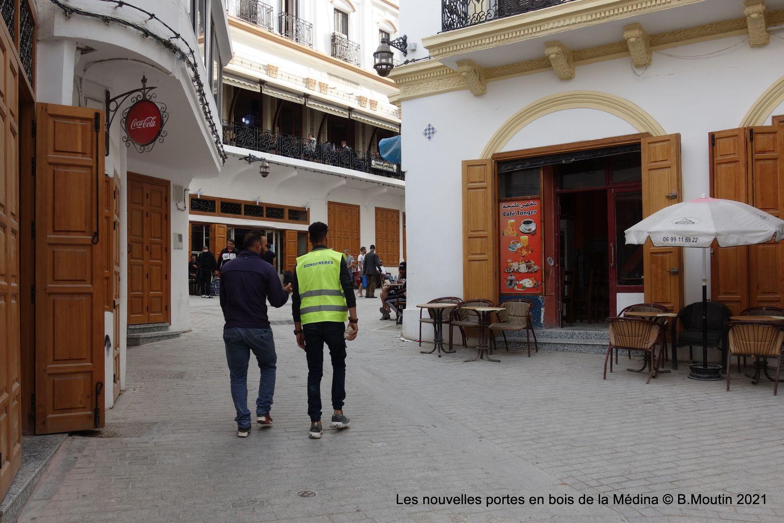 Les nouvelles portes en bois de la Medina (3 photos à cliquer)