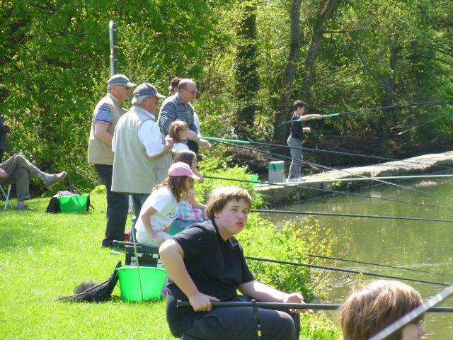 Atelier Pêche Nature. Les petits Vairons sont là, quel que soit le temps !