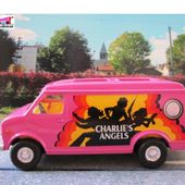 VAN CHARLIE'S ANGEL SERIE TV DROLES DE DAMES CORGI 1/36 - car-collector.net