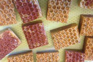 """Savon """" Le miel et les abeilles """""""