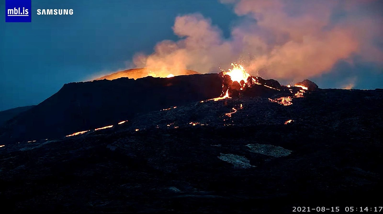 Fagradalsfjall - the crater active on 08.15.2021 / 5.14 a.m. - mbls webcam