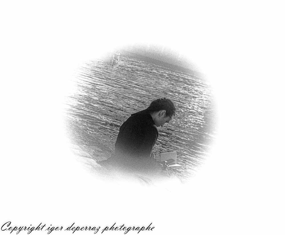 La liseuse des bords de Seine