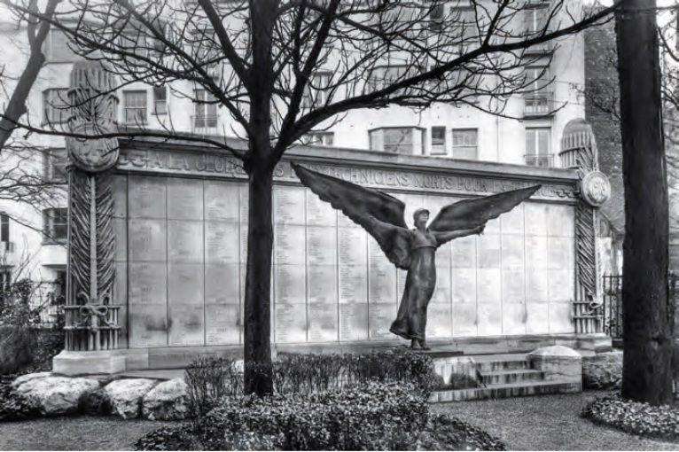 MONUMENTS AUX MORTS DE L'ECOLE POLYTECHNIQUE