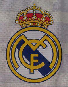 Une photo de l'emblème du Real Madrid