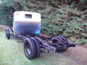 voir le véhicule dans l'article collectionneurs de véhicules militaires anciens
