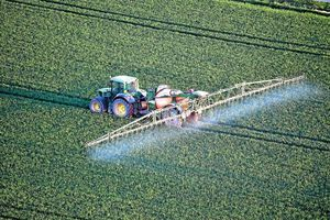 農業・食料法の修正 L'interdiction de la production de pesticides reportée