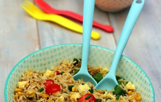 Salade de riz sauté à la sauce soja (façon thaï)