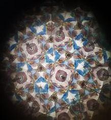 Plongée avec mon smartphone à l'ntérieur de l'un de mes kaléidoscopes préférés © eMmA MessanA