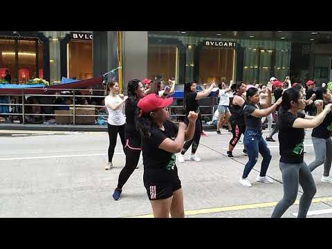 Chants et danses à Hong Kong.