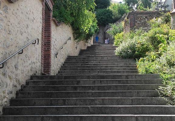 Trail en Eure-et-Loir - Des rues chartraines propices aux séances de côtes