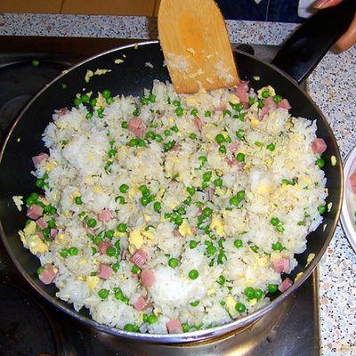 Comment cuisiner un bon riz cantonnais ? (ingrédients, réalisation)