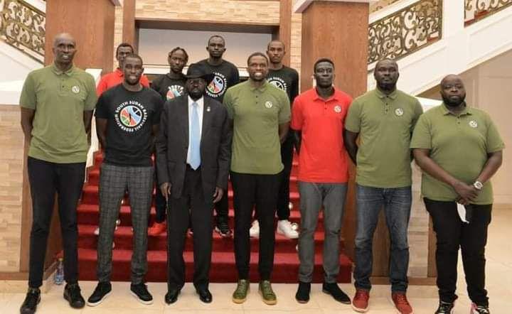 Une rencontre historique entre le président Salva Kiir, Luol Deng et l'équipe nationale du Sud-Soudan