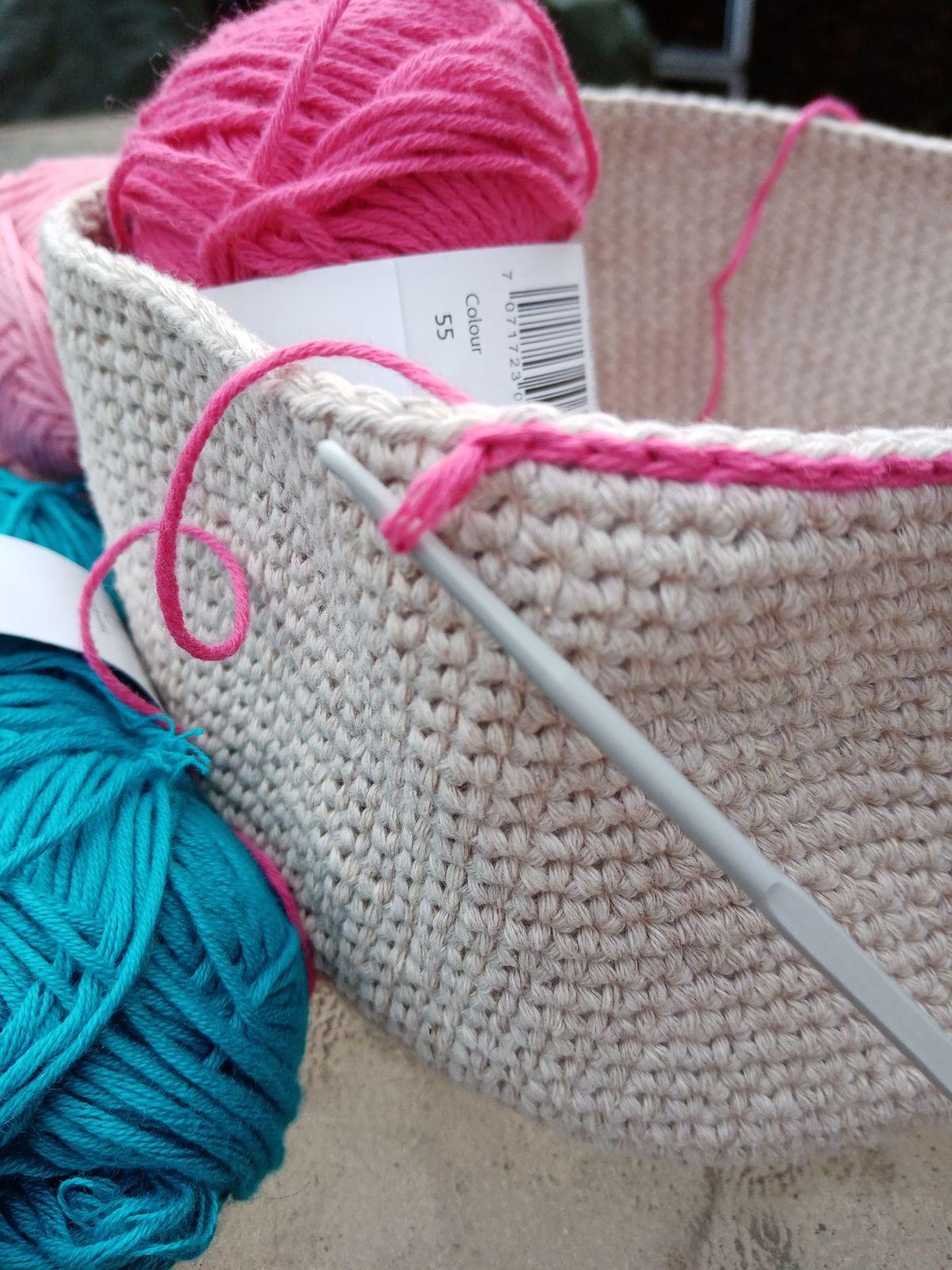 crocheter un chainette sur un ouvrage au crochet