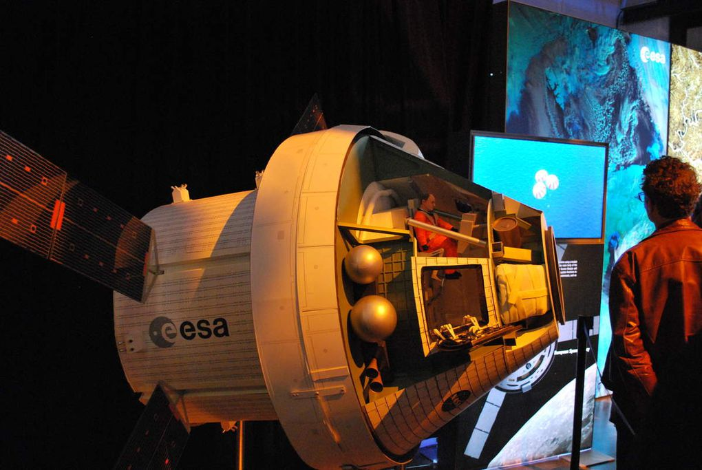 Dans les pas de Thomas Pesquet lors de la journée porte ouverte à l'ESTEC. @astro_andre @Spaceexpo @ESA_EAC @ESA_fr @esa @ESA_Tech @Thom_astro