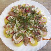 Salade de pommes de terre tièdes aux harengs fumés, radis et aneth - www.sucreetepices.com