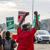 Lend a Hand: Here's a List of General Motors Picket Lines