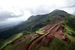 The Economist - Guinea and its iron ore: Let the people benefit, for once
