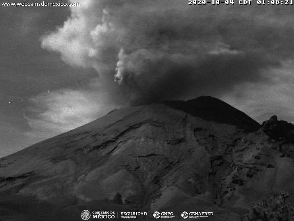 Popocatépetl - 04.10.2020 / 01h08 - doc. WebcamsdeMexico / Cenapred