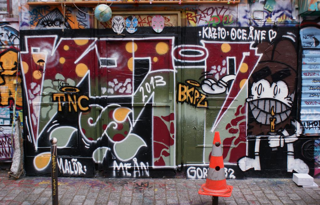 Album - Graffitis-Paris-divers-Tom-021