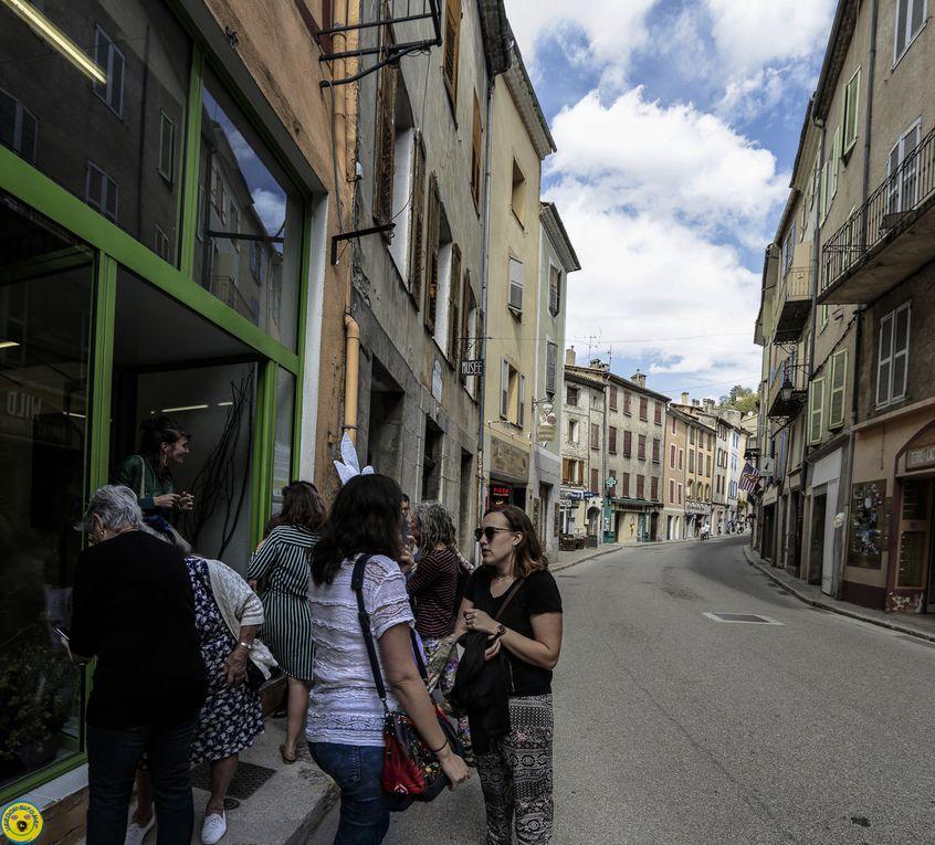 Castellane :  Vitrine éphémère avec le projet  RegART
