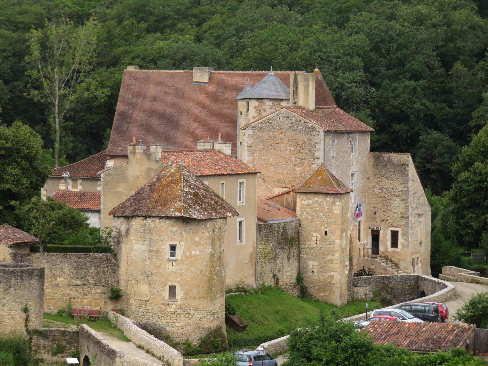 Nouaillé-Maupertuis, vue de l'Abbatiale