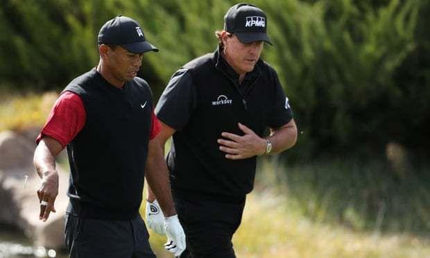 Tiger Woods v Phil Mickelson: Le match - en direct!