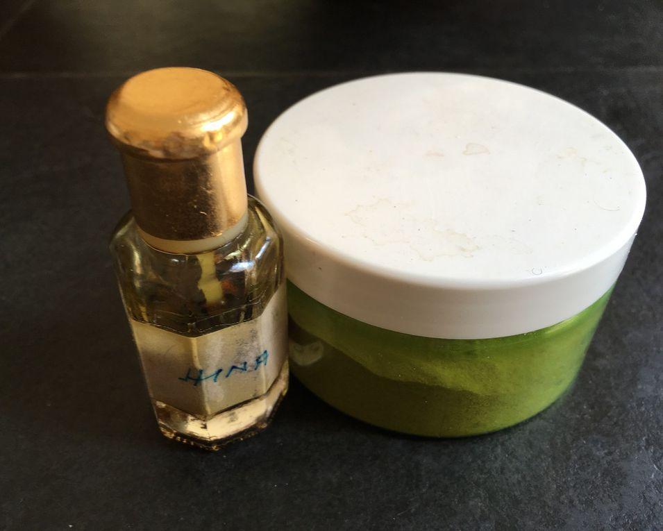 Le shampoing solide. la poudre de pivoine et le hina
