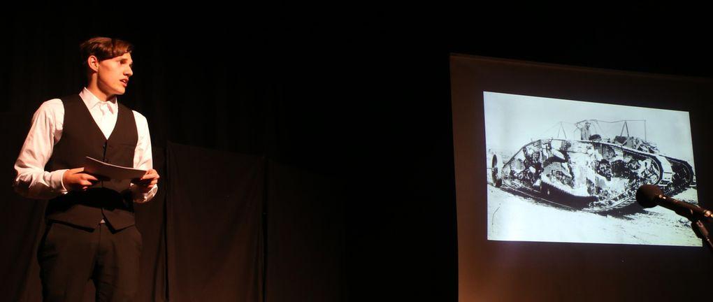 Zwischendrin  immer wieder eingestreut, Szenen, in denen Hannes Steinmann die Waffentechnik im 1. Weltkrieg beschrieb, von der offenen Feldschlacht zum Grabenkrieg,  die Wirkung von Distanzwaffen und die Premiere von Panzern.