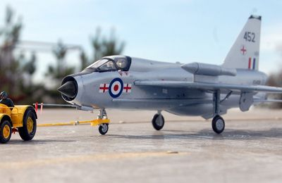 Tracteur de piste David Brown & English Electric Lightning T5 (1/48 - par Yves P.)