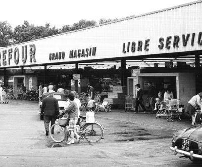 15 juin 1963 Ouverture du premier hypermarché en France à Ste-Geneviève-des-Bois...
